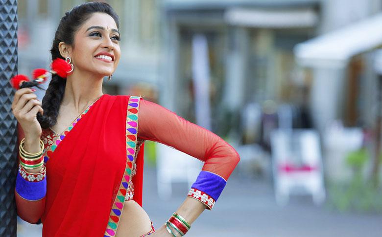 South Indian Actress Regina Cassandra to make Bollywood debut in Sonam Kapoor's next